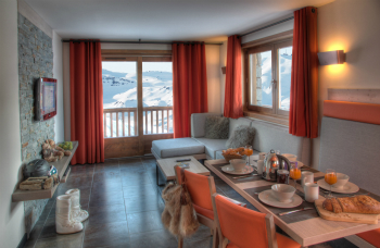 Dining area, Montana Plein Sud apartment, Val Thorens