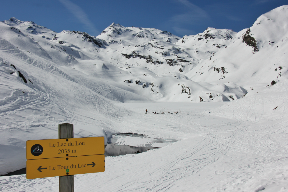 Lac du Lou and signpost