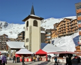 Val Thorens market & church