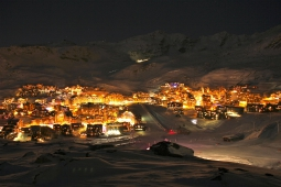 Val Thorens at night