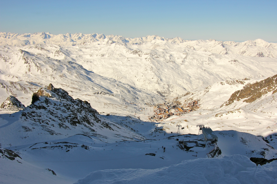 Val Thorens from the top of Glacier