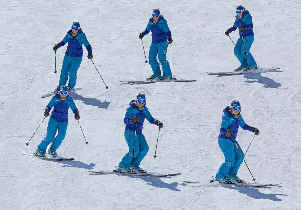 A basic parallel turn to the skier's left