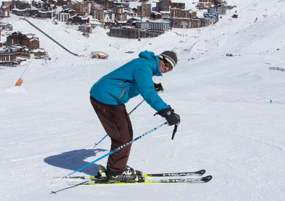 Mistakes in ski posture - too much bend at the waist