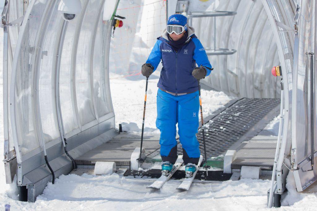 Magic carpet ski lift