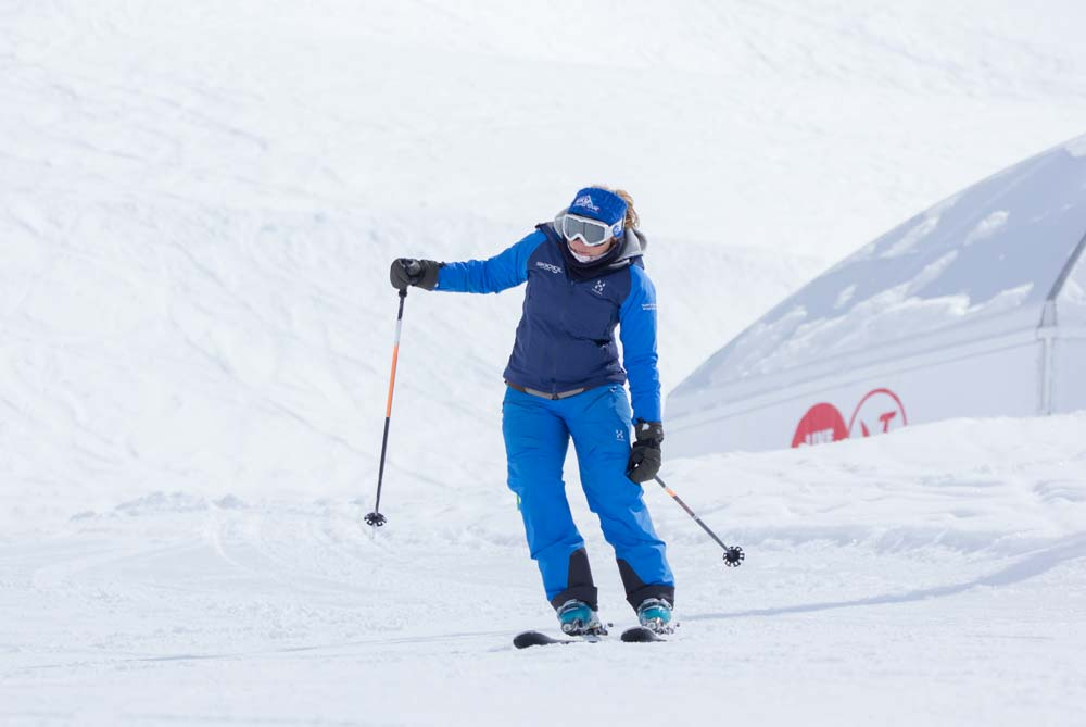 Outside hand down exercise in parallel skiing